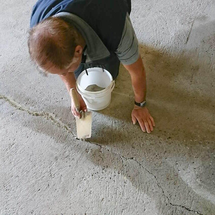 komsol controll innerseal plus Risse Beton alter strapazierter Beton ausbessern