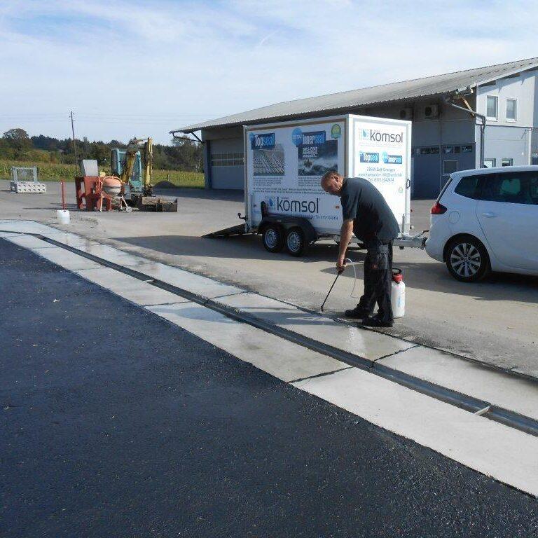 komsol-landwirtschaft-betonboden-stallung-stall-schutz-versiegeln-reinigen Biogasanlage