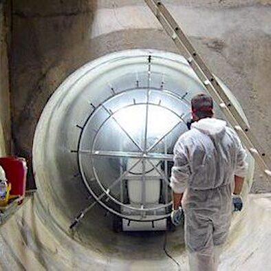 komsol innerseal Abwasser Kanal klaeranlage versiegelt Absetzbecken Abwasserkanal Sprühvorrichtung Arbeit