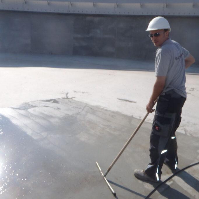 komsol innerseal Abwasser Kanal klaeranlage versiegelt Absetzbecken Abwasserkanal Wartung bearbeitung