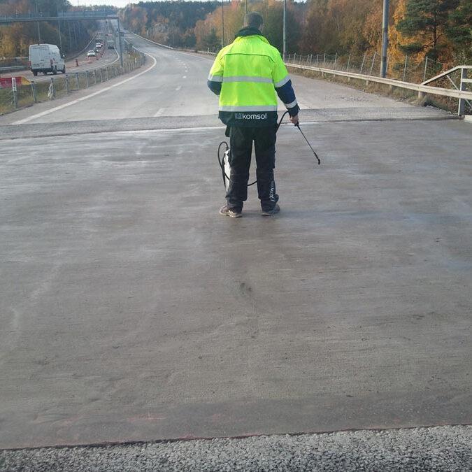 komsol innerseal sanierung versiegelung beton seitenteile sockel pfeiler Nacka-highway