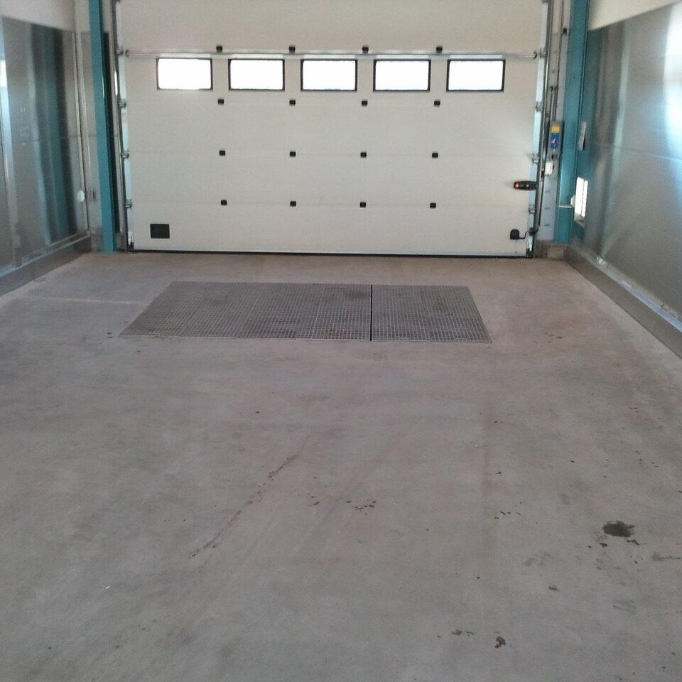 komsol-innerseal-plus-Flughaefen-Flugzeuge-Rollwege-Parkposition-Rampe-Hallenboeden-Hangar-Enteisung-Betonplatten
