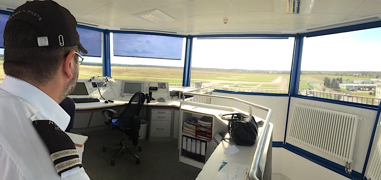 komsol innerseal plus Flughaefen Flugzeuge Rollwege Parkposition Rampe Hallenboeden Hangar Enteisung Betonplatten Tower