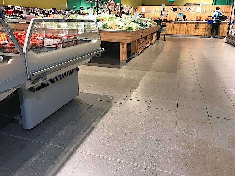 Betonboeden Grossmaerkte Supermaerkte Einzelhandel Bakterien Keime Schutz Versiegeln Beschichtung Handel Tankstelle Discounter Obst