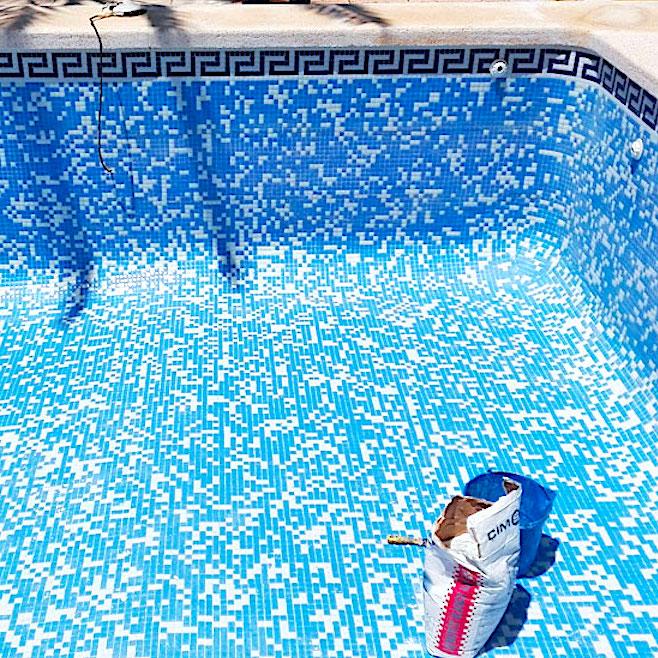 komsol Innerseal Schwimmbaeder Schwimmhallen Wasseraufbereitung Mosaikstein Fugen Mosaik Risse versiegeln