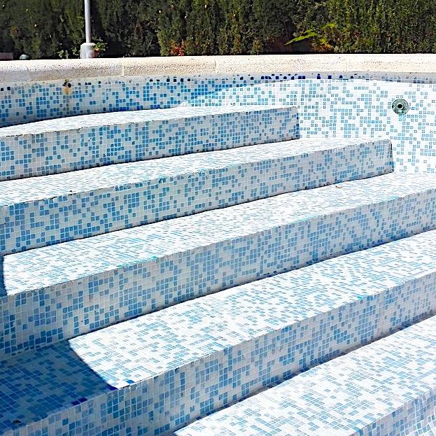 komsol Innerseal Schwimmbaeder Schwimmhallen Wellnessbereiche Wasseraufbereitung Mosaikstein Fugen versiegeln