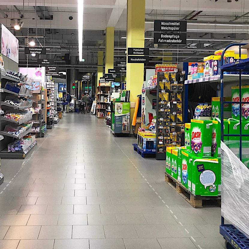 komsol innerseal Betonboeden Grossmaerkte Supermaerkte Einzelhandel Bakterien Keime Schutz Versiegeln Beschichtung Handel Tankstelle Discounter Verkauf