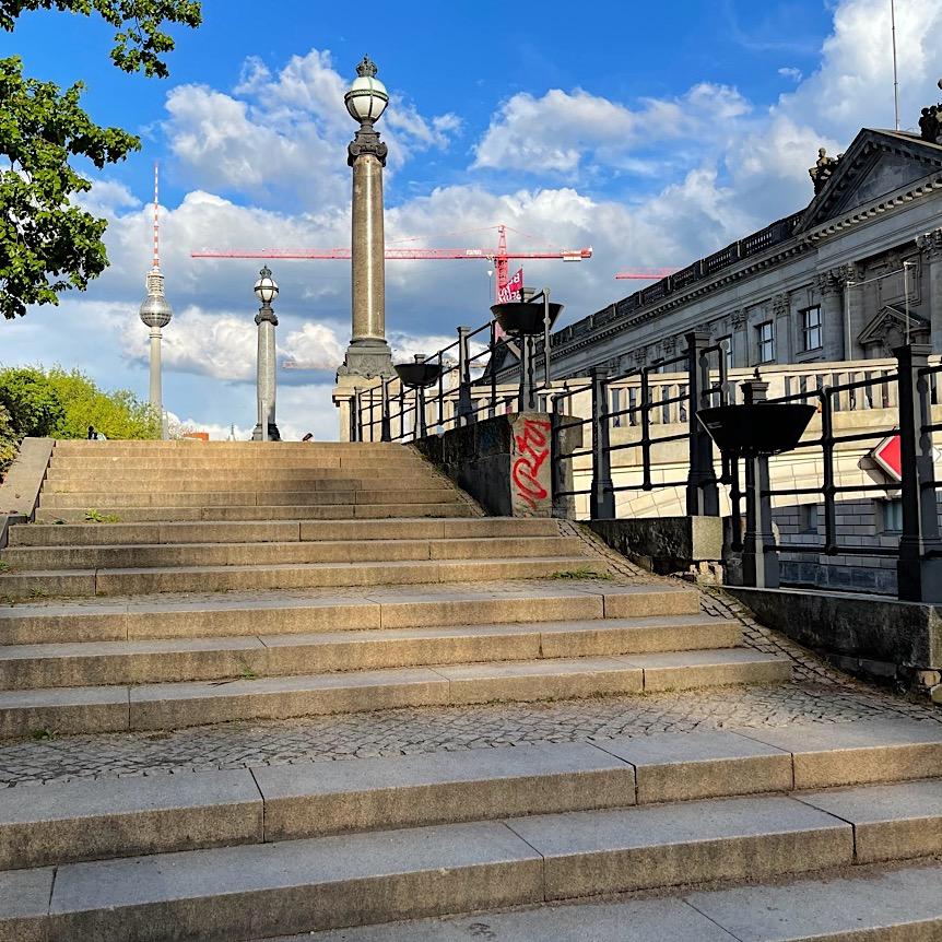 komsol Innerseal Stadion Tribuenen Fußballstadion Betontreppen Sitzflaechen versiegeln besucher Treppen Park